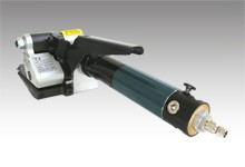 Pneumatic tensioner for steel strap